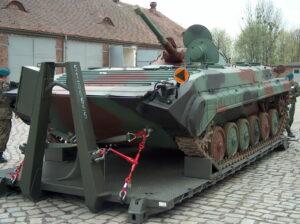 Flatracks for light tanks transportation